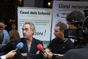 Els germans Albert i Ferran Adria atenent els mitjans de comunicacio en la presentació de la Tapa Solidària del Casal dels Infants, en una foto de l'edició de 2012