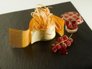 Pastís de formatge nucli de fruits vermells i sorbet de nabius_Hofmann