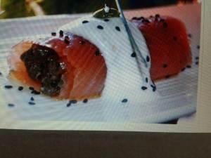 Rotllets de salmó farcits de duxelles_Casa Alfonso