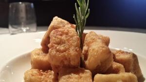 MARKET_Berenjenas fritas y crujientes con miel de soja y sésamo