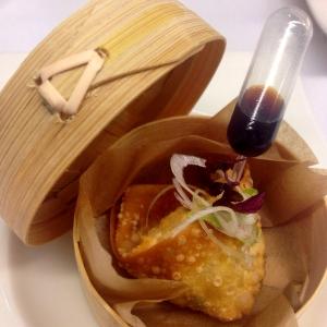 Hofmann_Cistelleta de bambú amb cruixent de ragout a l'estil asiàtic